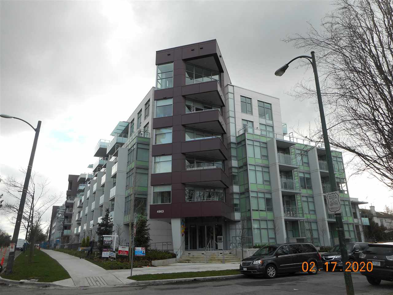 "Main Photo: A406 4963 CAMBIE Street in Vancouver: Cambie Condo for sale in ""35 PARK WEST"" (Vancouver West)  : MLS®# R2427677"
