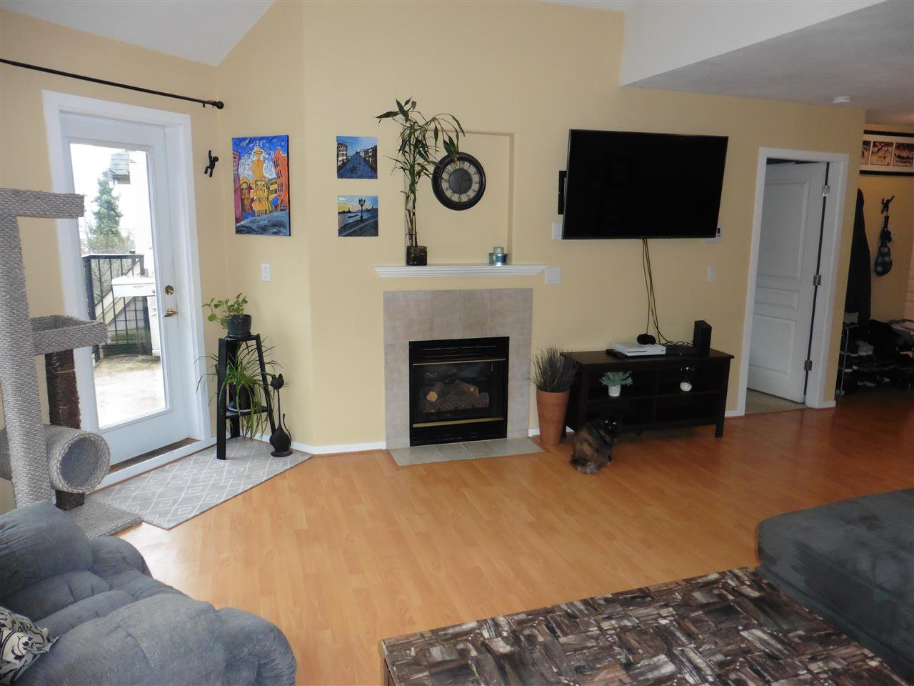"""Photo 5: Photos: 506 210 ELEVENTH Street in New Westminster: Uptown NW Condo for sale in """"DISCOVERY REACH"""" : MLS®# R2434040"""