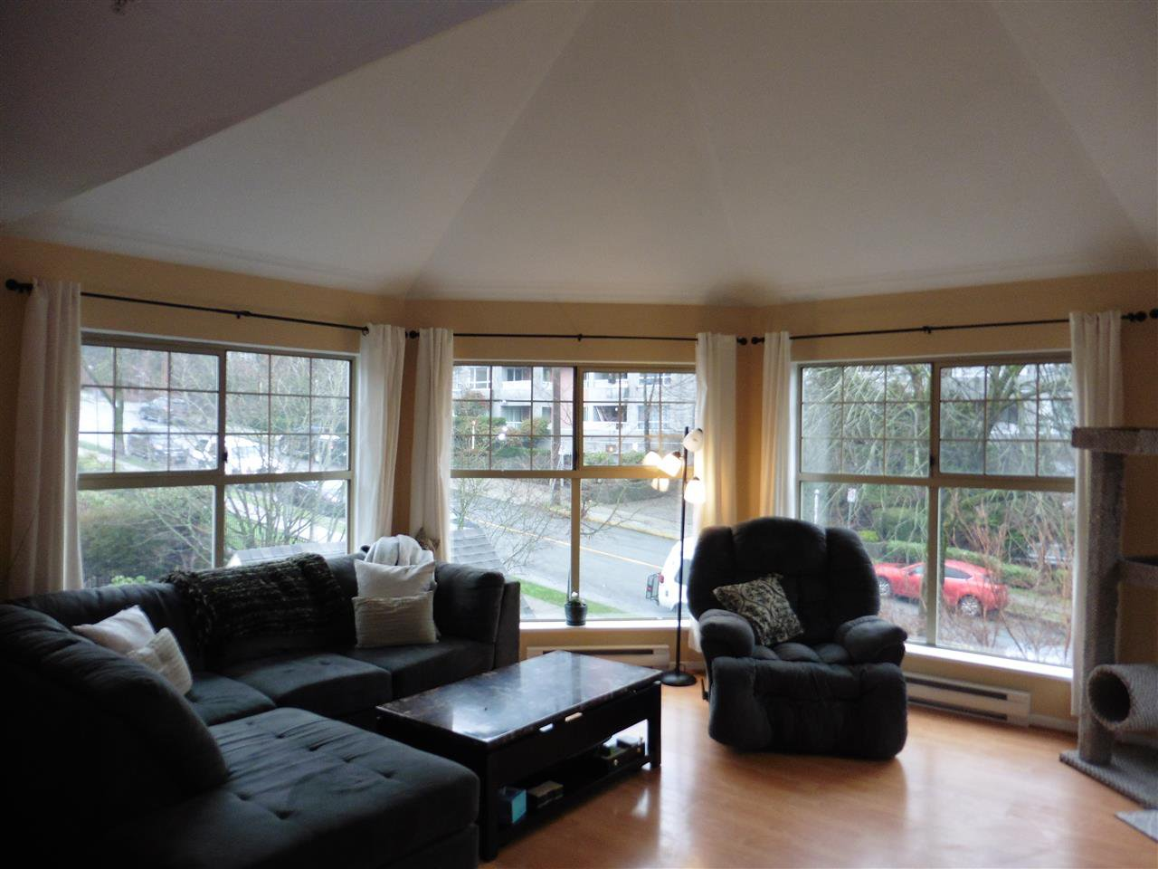 """Photo 3: Photos: 506 210 ELEVENTH Street in New Westminster: Uptown NW Condo for sale in """"DISCOVERY REACH"""" : MLS®# R2434040"""