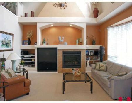 Photo 3: Photos: Chimney Heights Dream House