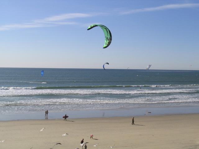Main Photo: PACIFIC BEACH Condo for sale : 1 bedrooms : 825 1/2 MISSOURI