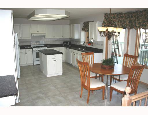 Photo 4: Photos:  in WINNIPEG: Fort Garry / Whyte Ridge / St Norbert Residential for sale (South Winnipeg)  : MLS®# 2907946