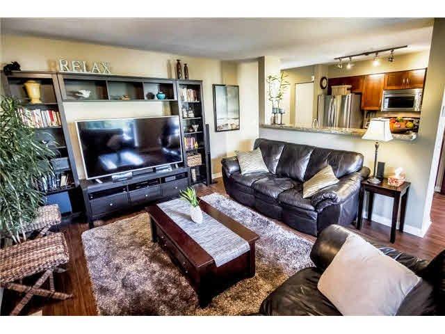 Main Photo: 303 2110 YORK AVENUE in : Kitsilano Condo for sale : MLS®# V1075418