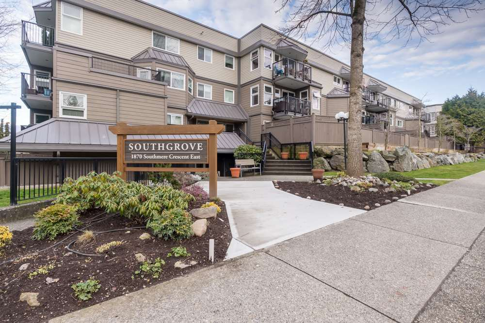 "Main Photo: 114 1870 E SOUTHMERE Crescent in Surrey: Sunnyside Park Surrey Condo for sale in ""Southgrove"" (South Surrey White Rock)  : MLS®# R2435855"