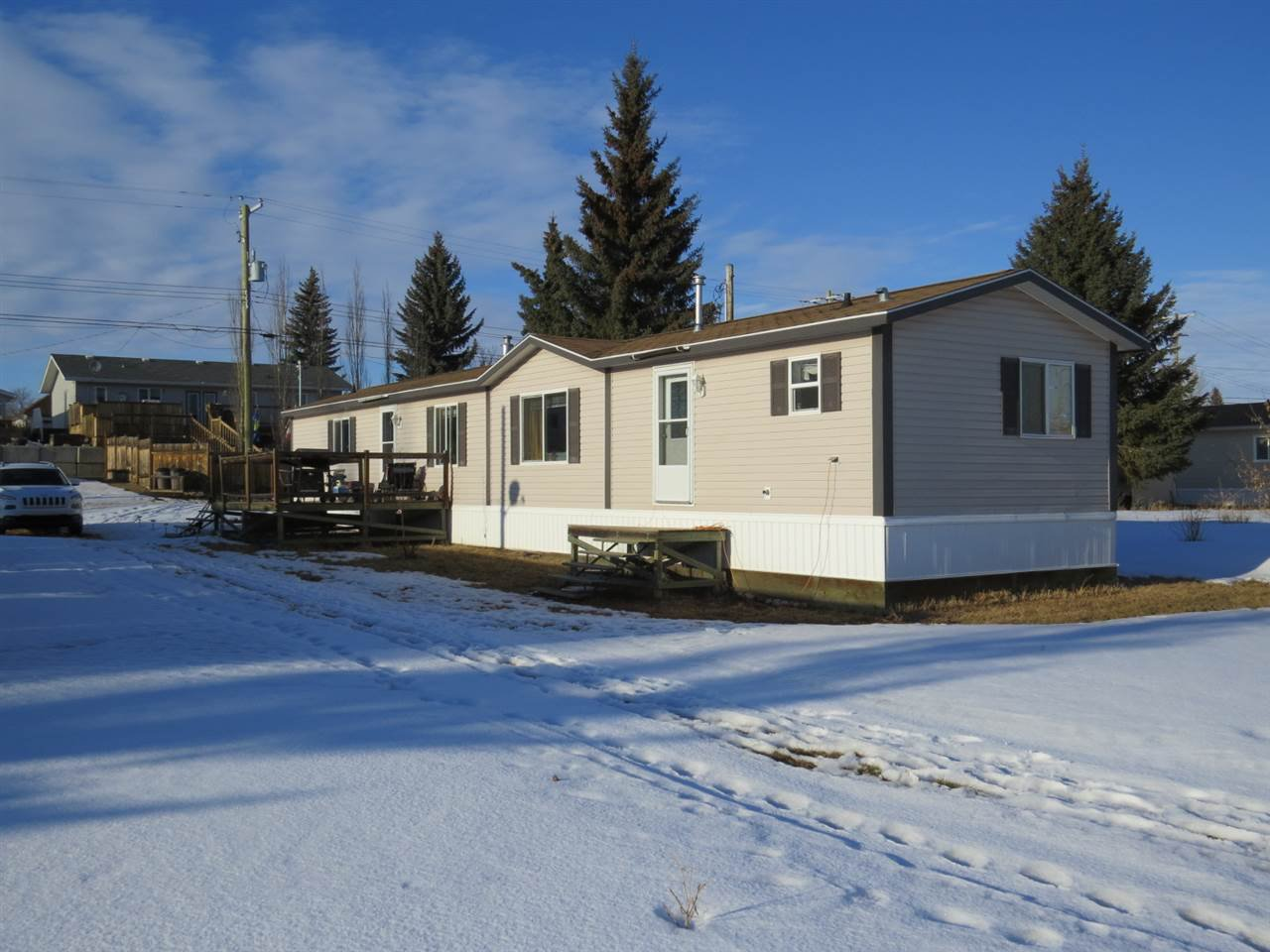 Main Photo: 5032 47 Street NW: Hardisty Manufactured Home for sale : MLS®# E4191489