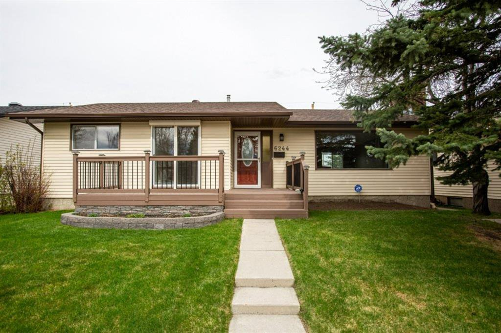 Main Photo: 6244 72 Street NW in Calgary: Silver Springs Detached for sale : MLS®# A1026601