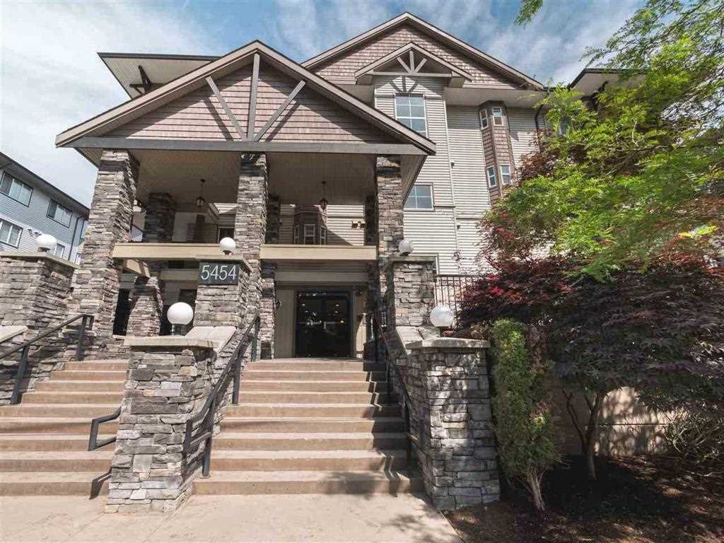 "Main Photo: 309 5454 198 Street in Langley: Langley City Condo for sale in ""Brydon Walk"" : MLS®# R2517322"