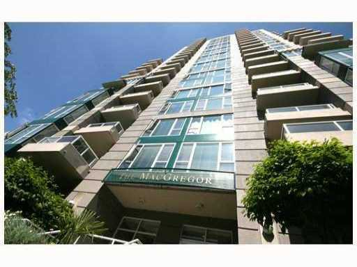 "Main Photo: 1105 5189 GASTON Street in Vancouver: Collingwood VE Condo for sale in ""MCGREGOR"" (Vancouver East)  : MLS®# V792633"