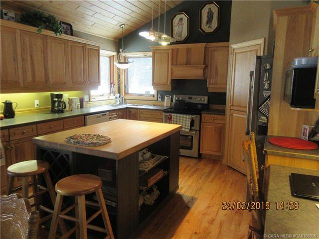 Photo 6: Photos: 425 Clearwater Estates Drive in Rural Clearwater County: Clearwater Estates Residential for sale : MLS®# CA0186915