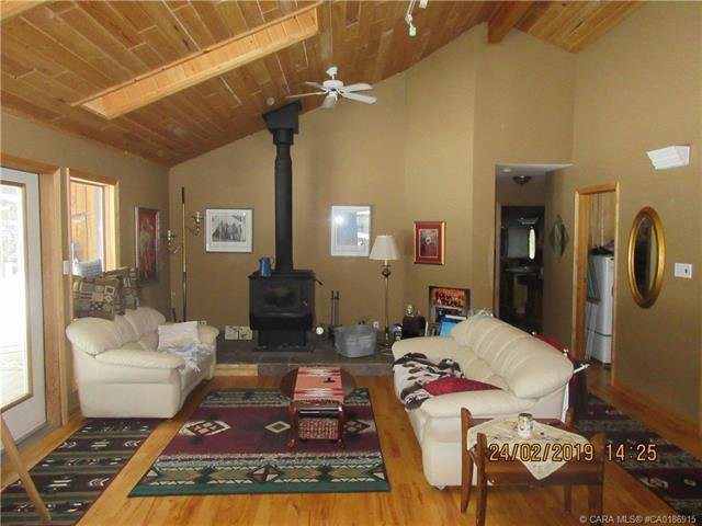 Photo 5: Photos: 425 Clearwater Estates Drive in Rural Clearwater County: Clearwater Estates Residential for sale : MLS®# CA0186915