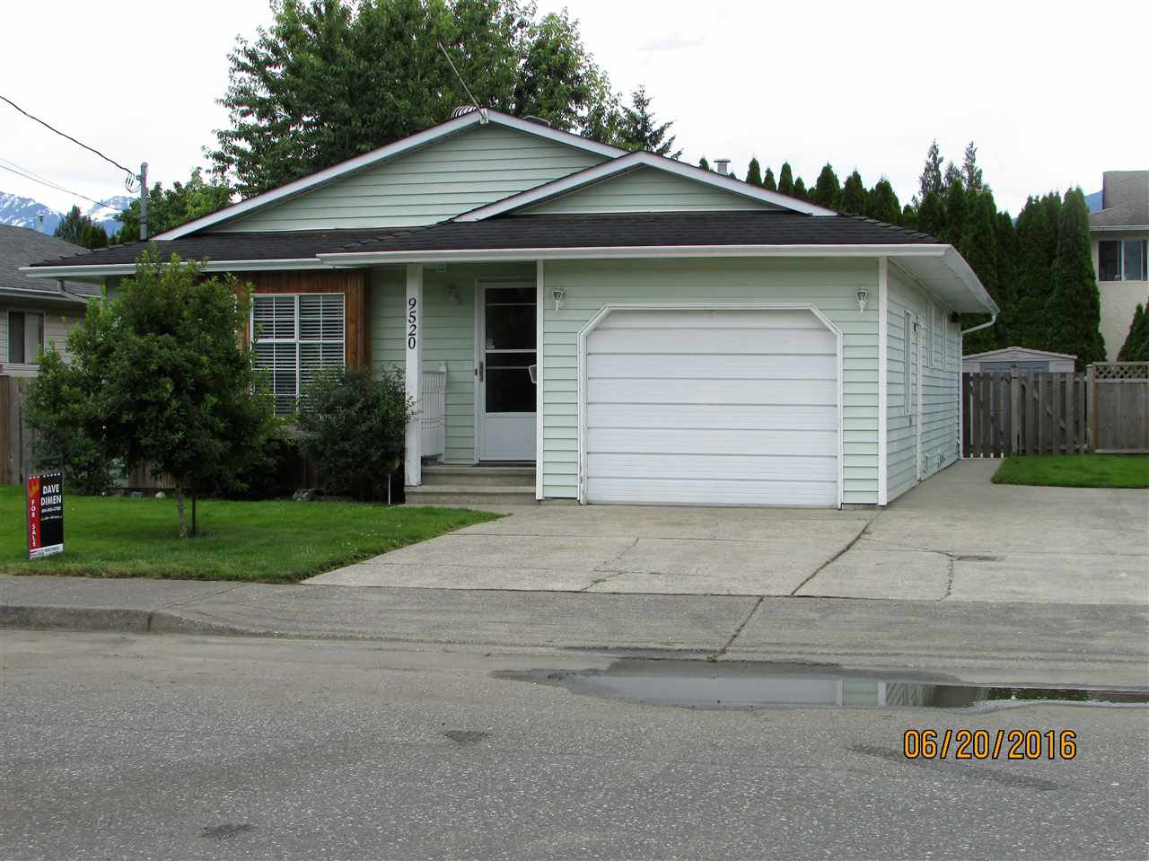 Main Photo: 9520 CARROLL STREET in : Chilliwack N Yale-Well House for sale : MLS®# R2083316
