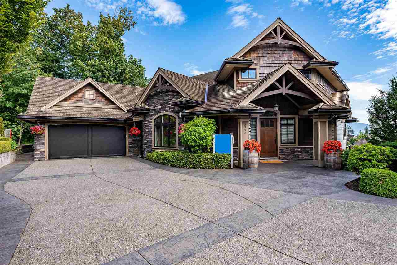 Main Photo: 2592 LAVENDER Court in Abbotsford: Abbotsford East House for sale : MLS®# R2469618