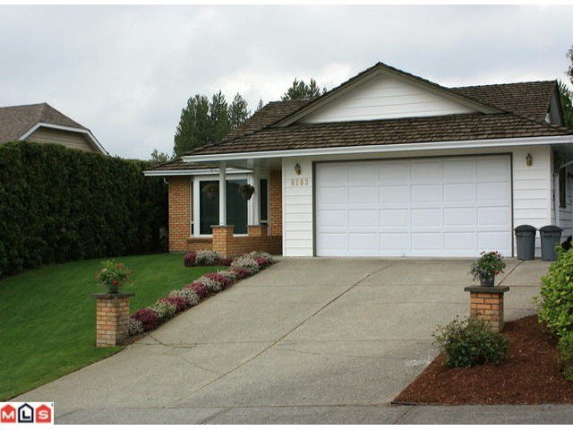 Main Photo: 8283 MAHONIA Street in Mission: Mission BC House for sale : MLS®# F1011331