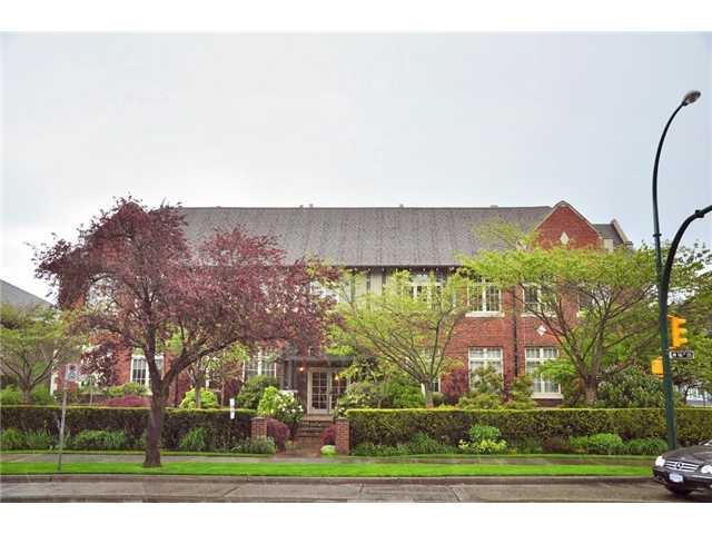 "Main Photo: 104 1811 W 16TH Avenue in Vancouver: Kitsilano Condo for sale in ""CEDAR MEWS"" (Vancouver West)  : MLS®# V828177"