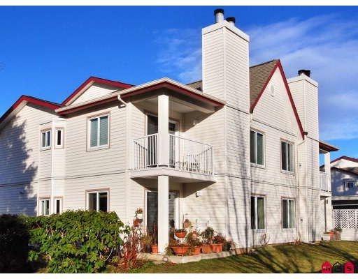 "Main Photo: 1 12935 16TH Avenue in Surrey: Crescent Bch Ocean Pk. Townhouse for sale in ""OCEAN PARK VILLAGE"" (South Surrey White Rock)  : MLS®# F2907612"