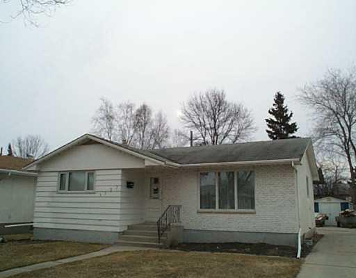 Main Photo: 1123 ROTHESAY Street in WINNIPEG: North Kildonan Single Family Detached for sale (North East Winnipeg)  : MLS®# 2403962