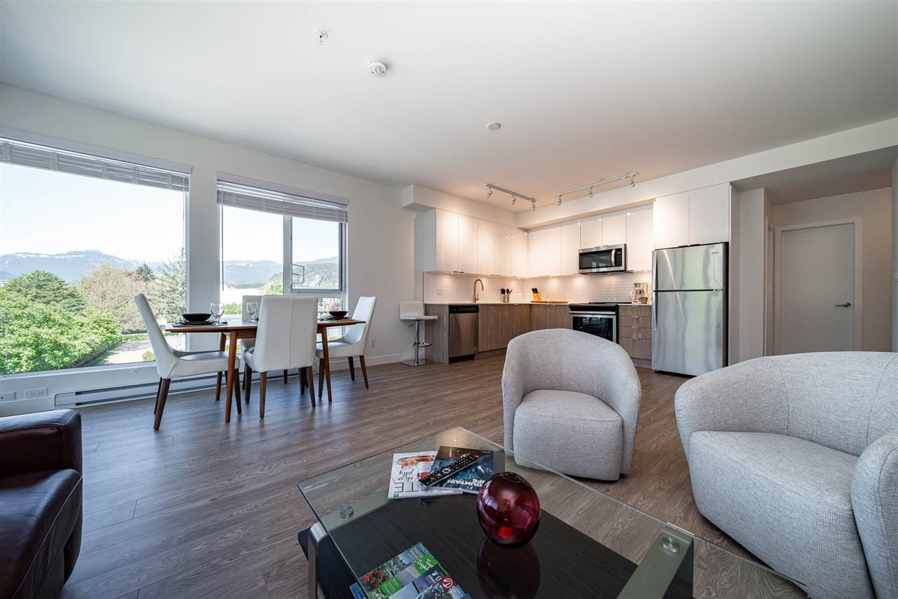 """Main Photo: 423 37881 CLEVELAND Avenue in Squamish: Downtown SQ Condo for sale in """"THE MAIN"""" : MLS®# R2451024"""