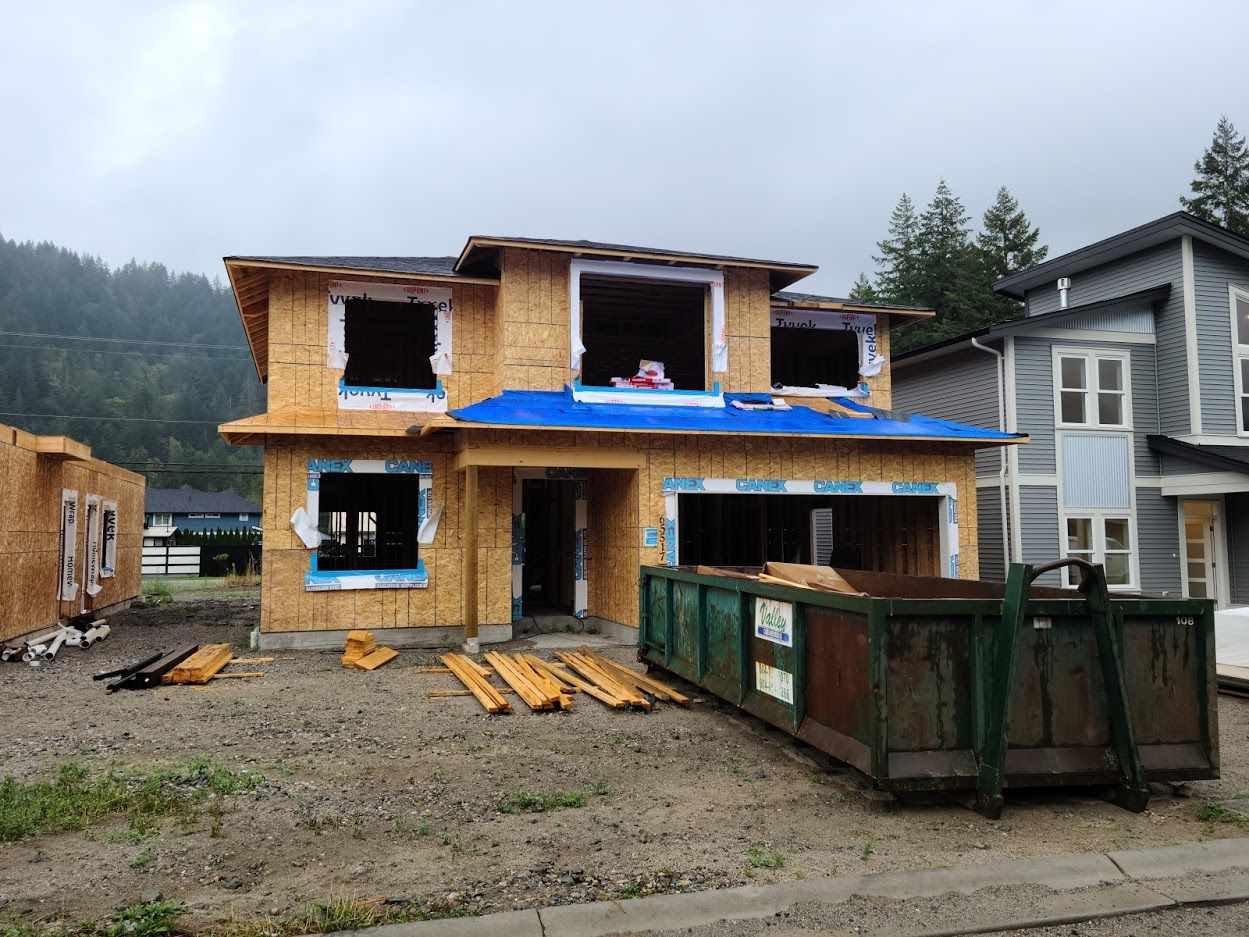 "Main Photo: 65517 SKYLARK Lane in Hope: Hope Kawkawa Lake House for sale in ""Wildflowers at Skylark Lane"" : MLS®# R2502102"