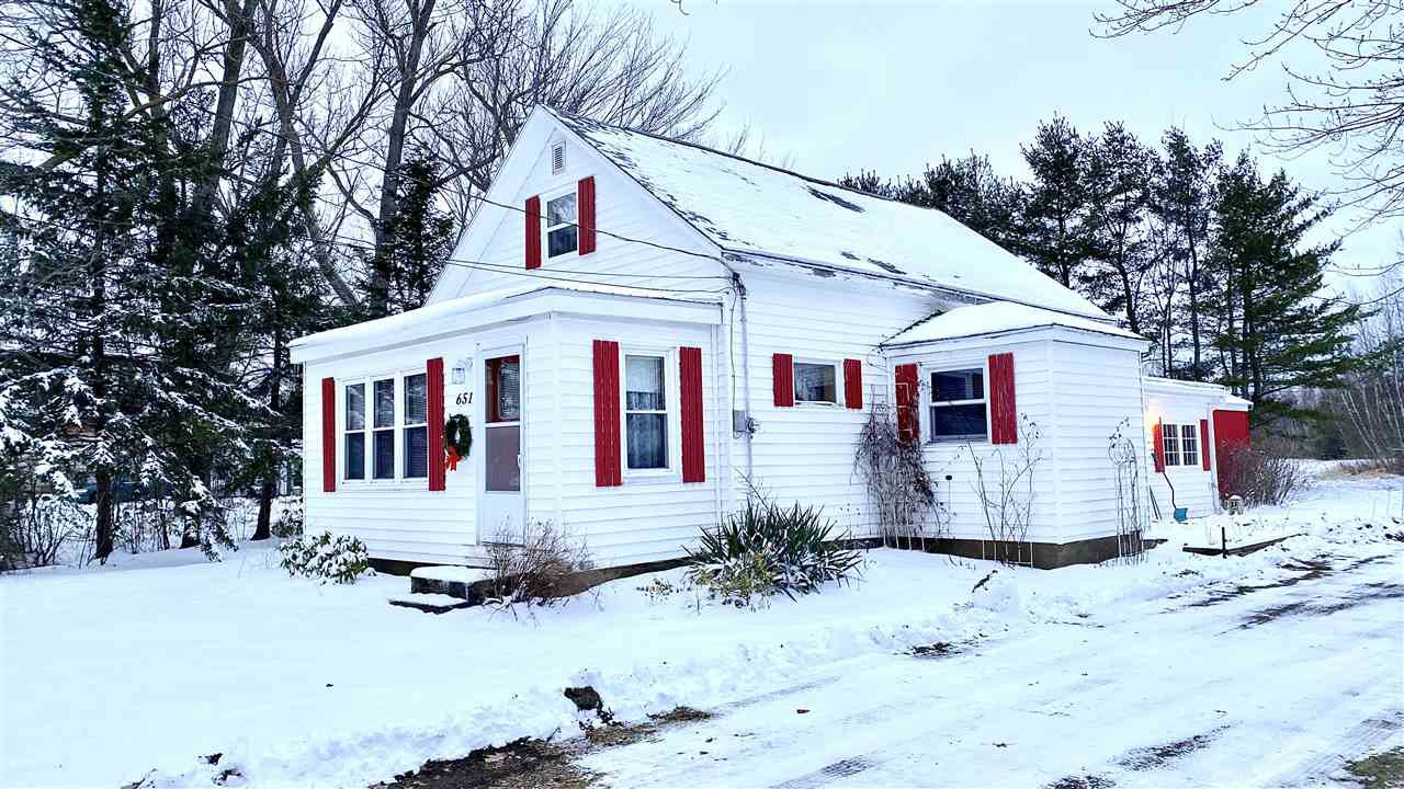 Main Photo: 651 Main Street in Lawrencetown: 400-Annapolis County Residential for sale (Annapolis Valley)  : MLS®# 202100132