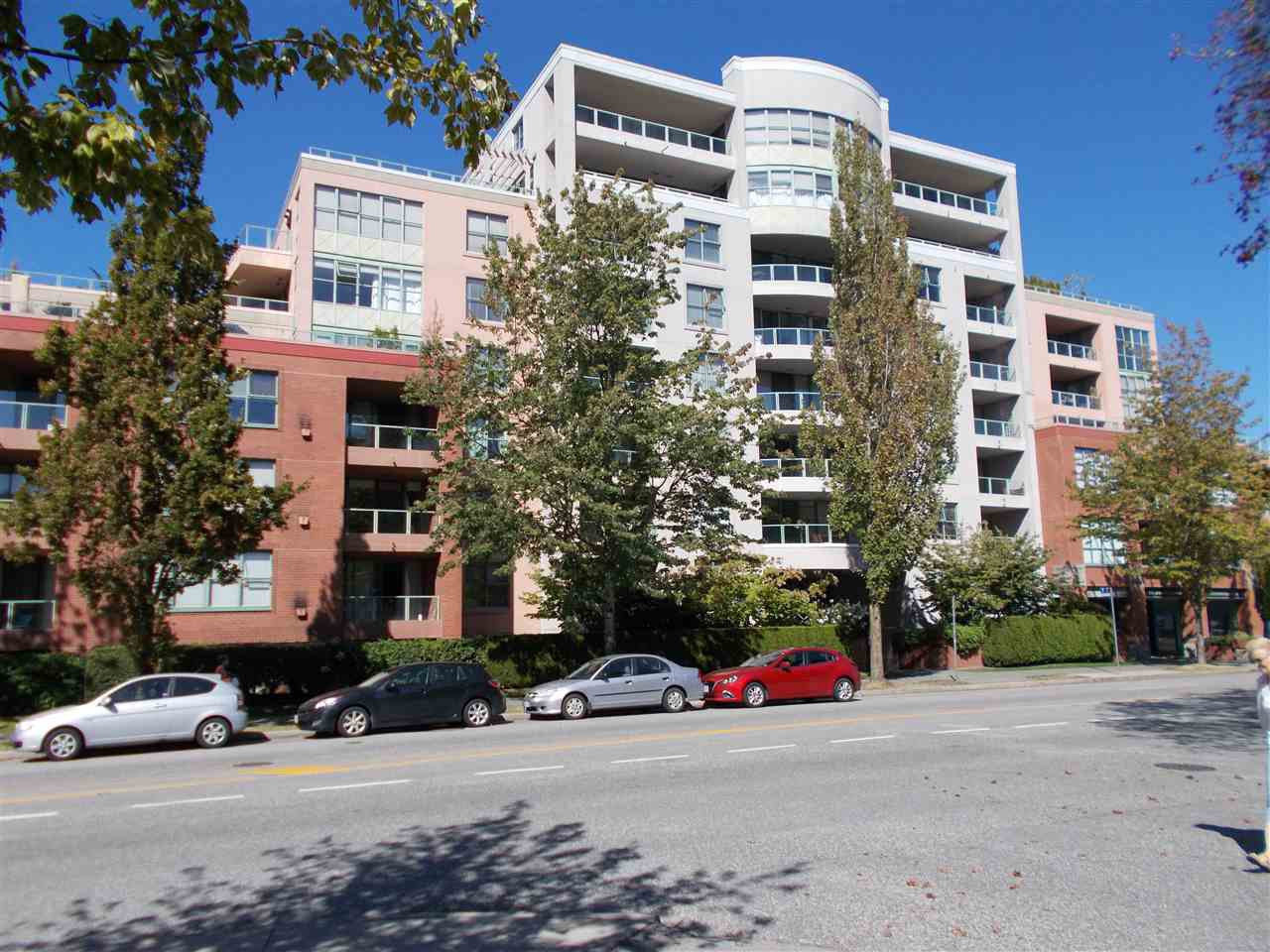 """Main Photo: 106 503 W 16TH Avenue in Vancouver: Fairview VW Condo for sale in """"Pacifica/Fairview VW"""" (Vancouver West)  : MLS®# R2400371"""