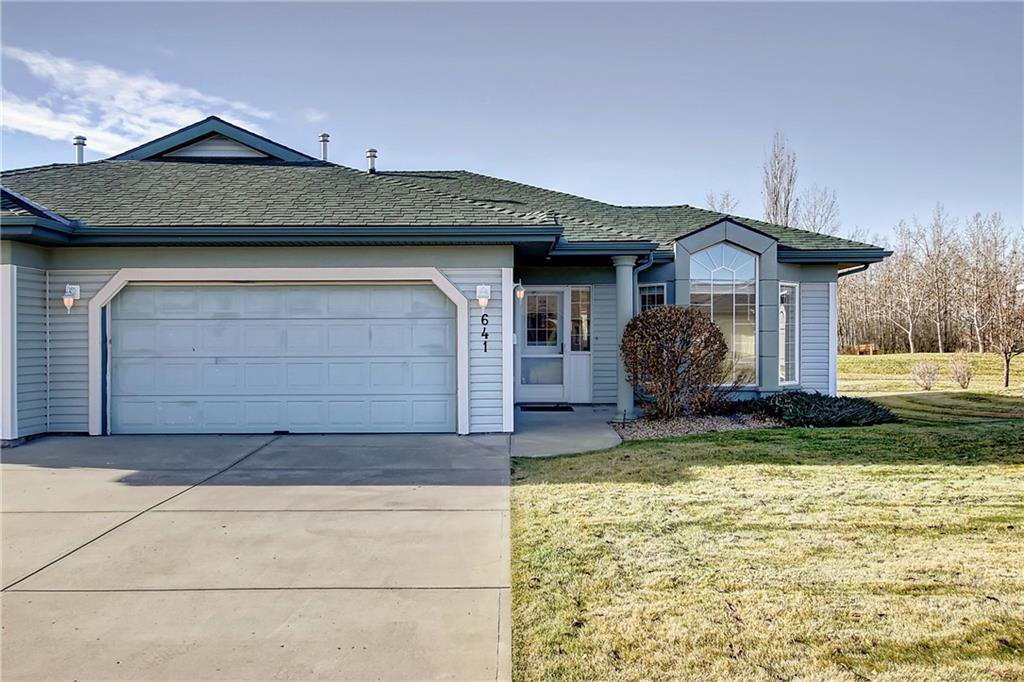 Main Photo: 641 ADVENT Bay in Rural Rocky View County: Rural Rocky View MD Semi Detached for sale : MLS®# C4301047