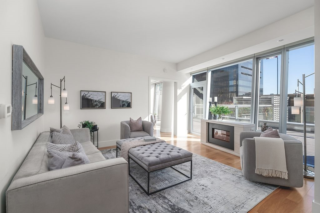 Main Photo: 1401 667 HOWE STREET in Vancouver: Downtown VW Condo for sale (Vancouver West)  : MLS®# R2510203