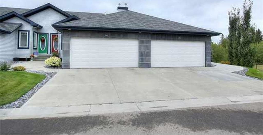 Main Photo: 28 3003 34 Avenue in Edmonton: Zone 30 Townhouse for sale : MLS®# E4179324