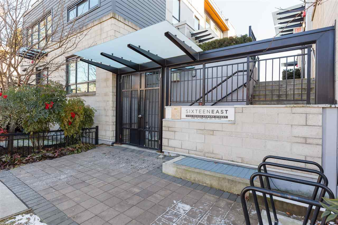Main Photo: 3174 PRINCE EDWARD STREET in : Mount Pleasant VE Townhouse for sale : MLS®# R2344912