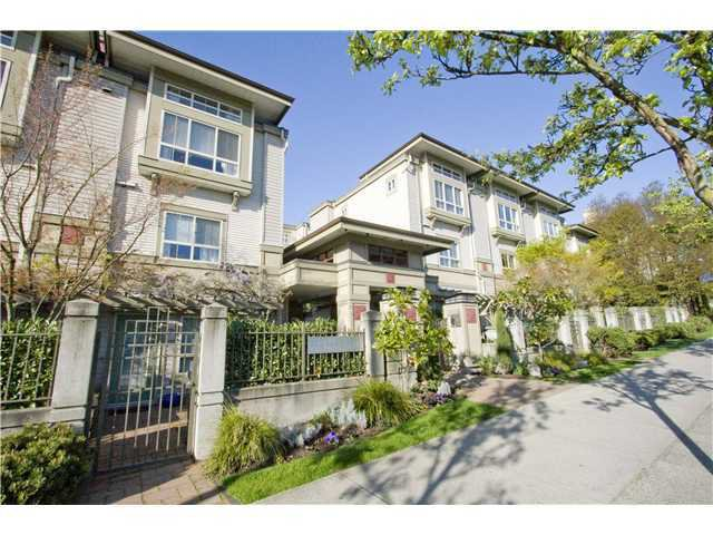 Main Photo: 39 2375 W BROADWAY in Vancouver: Kitsilano Townhouse for sale (Vancouver West)  : MLS®# V822337