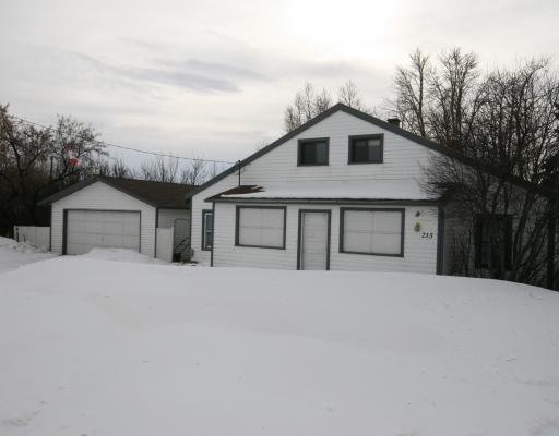 Main Photo: 215 Railway Avenue: Dalemead Residential Detached Single Family for sale : MLS®# C3365011