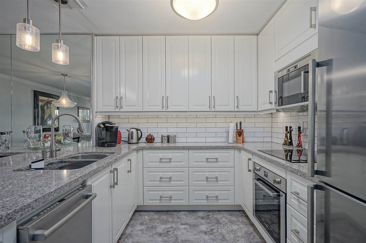 """Photo 11: Photos: 204 1441 BLACKWOOD Street: White Rock Condo for sale in """"the """" Capistrano """""""" (South Surrey White Rock)  : MLS®# R2390737"""