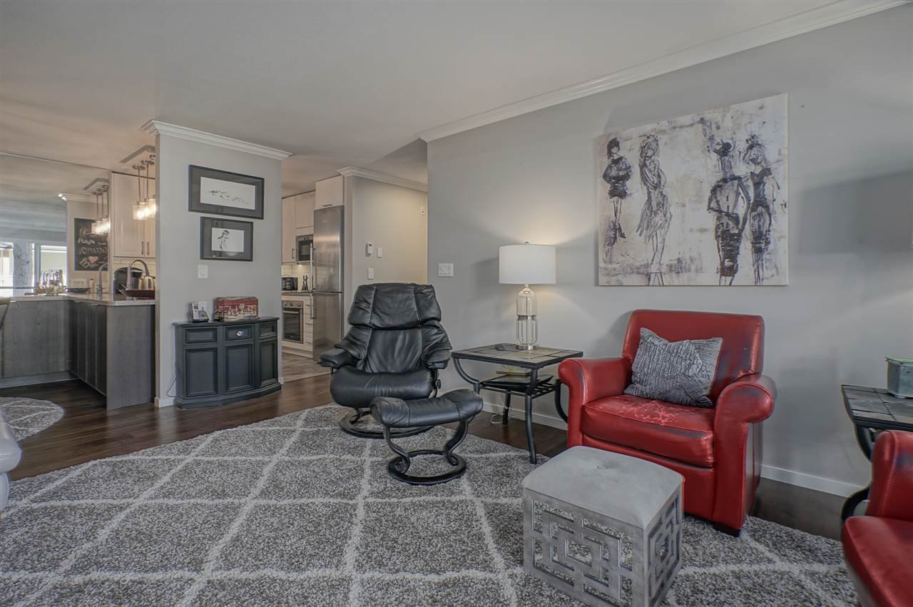 """Photo 6: Photos: 204 1441 BLACKWOOD Street: White Rock Condo for sale in """"the """" Capistrano """""""" (South Surrey White Rock)  : MLS®# R2390737"""