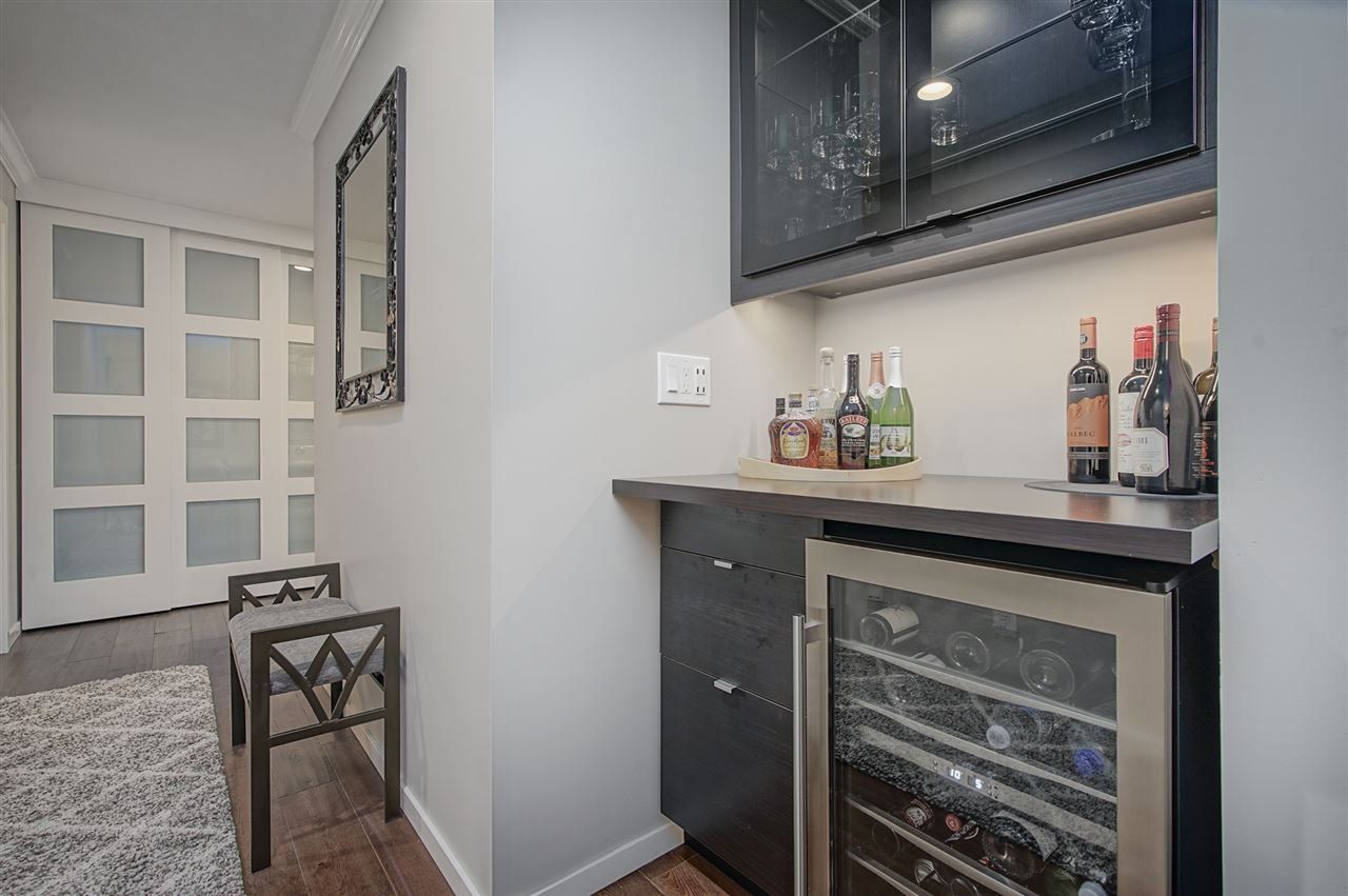 """Photo 13: Photos: 204 1441 BLACKWOOD Street: White Rock Condo for sale in """"the """" Capistrano """""""" (South Surrey White Rock)  : MLS®# R2390737"""