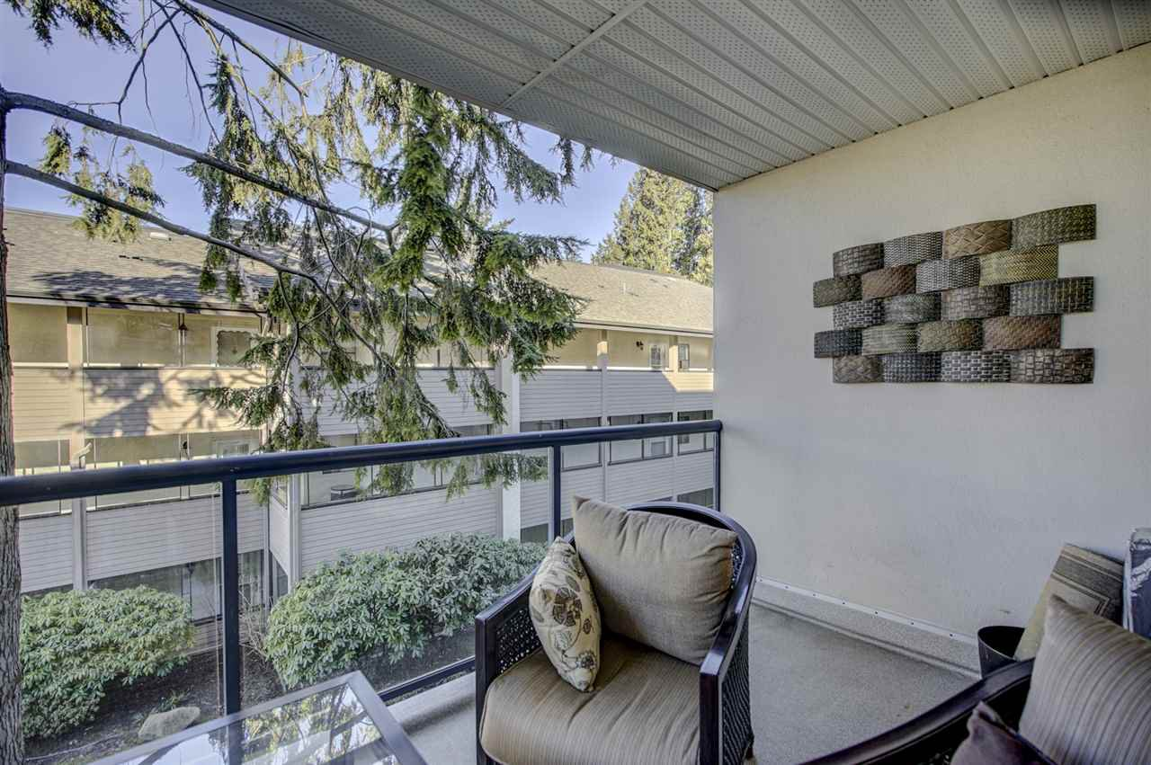 """Photo 14: Photos: 204 1441 BLACKWOOD Street: White Rock Condo for sale in """"the """" Capistrano """""""" (South Surrey White Rock)  : MLS®# R2390737"""