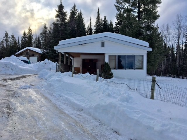 """Photo 1: Photos: 1178 OMEGA Road in Quesnel: Quesnel - Rural North Manufactured Home for sale in """"SCHEMENAUER SUB."""" (Quesnel (Zone 28))  : MLS®# R2432778"""