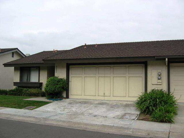 Main Photo: CLAIREMONT Home for sale or rent : 3 bedrooms : 4482 Caminito Pedernal in San Diego