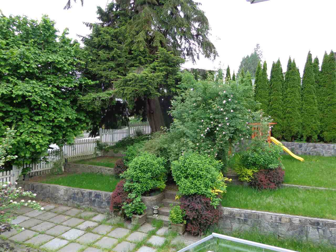 Photo 12: Photos: 4210 GLENHAVEN CRESCENT in North Vancouver: Dollarton House for sale : MLS®# R2373969
