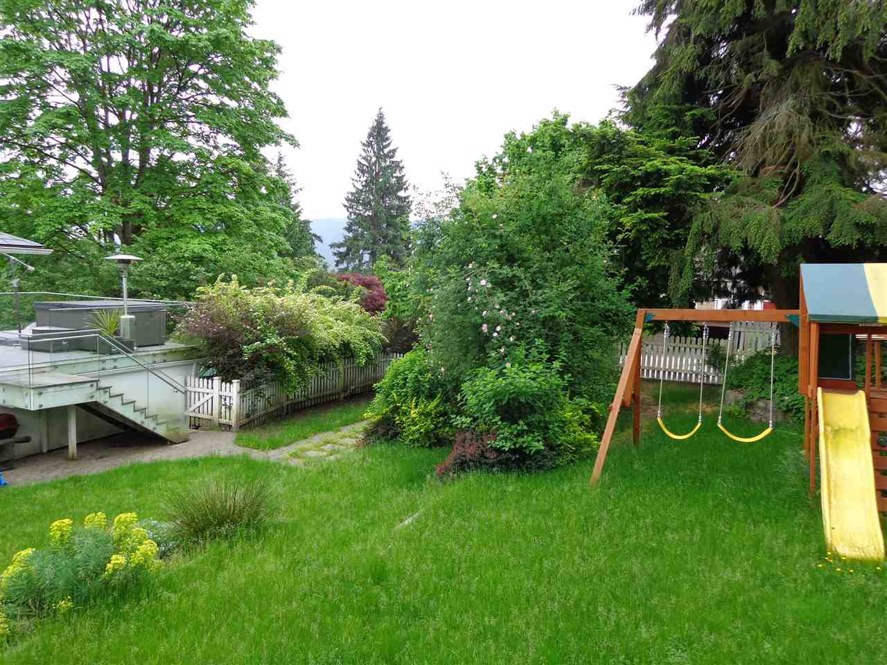 Photo 6: Photos: 4210 GLENHAVEN CRESCENT in North Vancouver: Dollarton House for sale : MLS®# R2373969