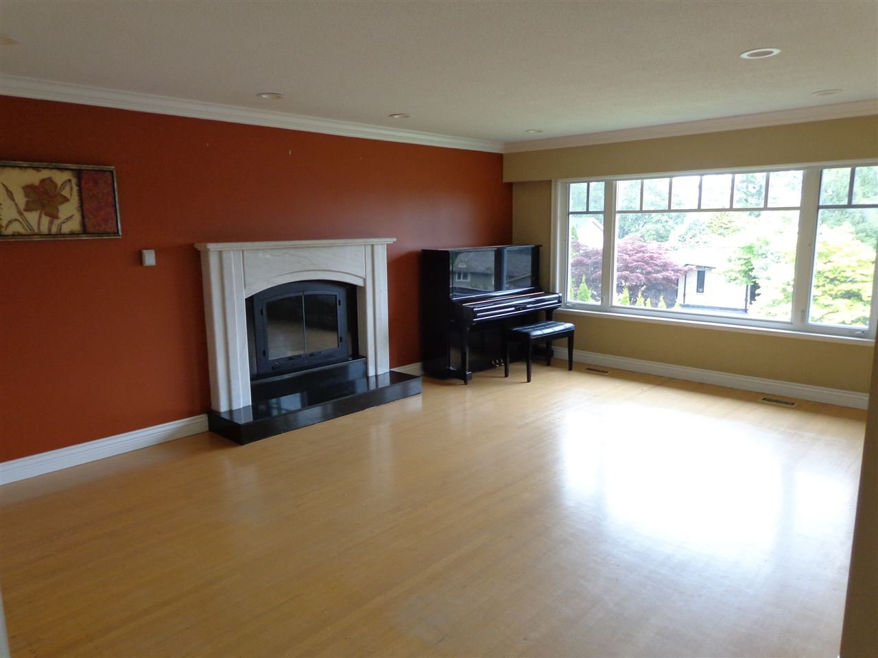 Photo 4: Photos: 4210 GLENHAVEN CRESCENT in North Vancouver: Dollarton House for sale : MLS®# R2373969