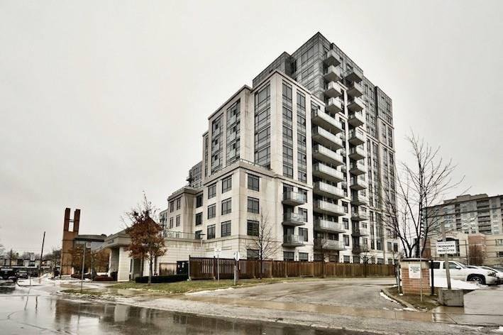 Main Photo: 35 Saranac Blvd in Toronto Condo For Sale Steven & Marie Commisso Vaughan Real Estate Vaughan Condos