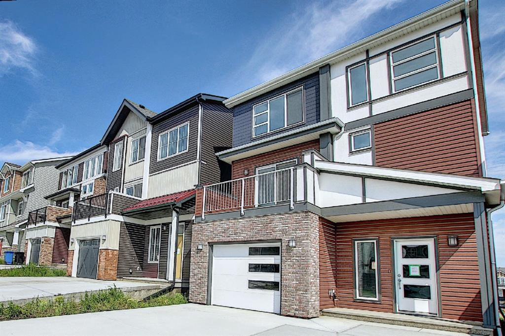 Main Photo: 212 LUCAS Manor NW in Calgary: Livingston Detached for sale : MLS®# C4288986
