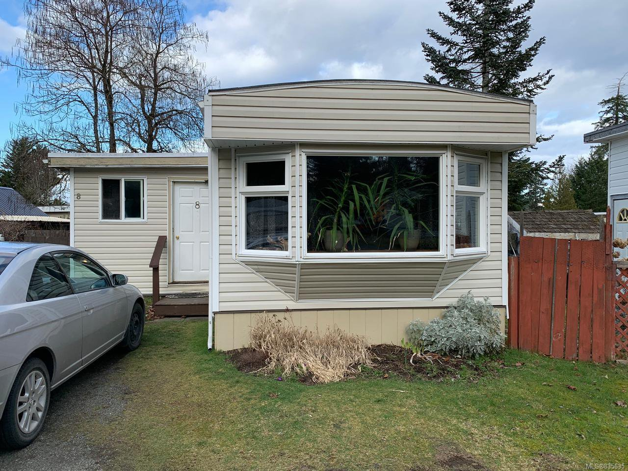 Main Photo: 8 2700 WOODBURN ROAD in CAMPBELL RIVER: CR Campbell River North Manufactured Home for sale (Campbell River)  : MLS®# 835635