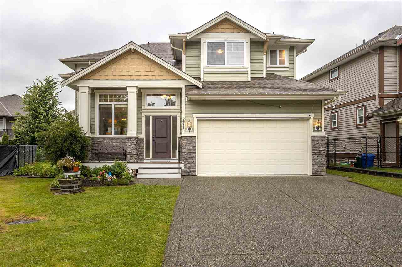 Main Photo: 8471 BAILEY Place in Mission: Mission BC House for sale : MLS®# R2468332