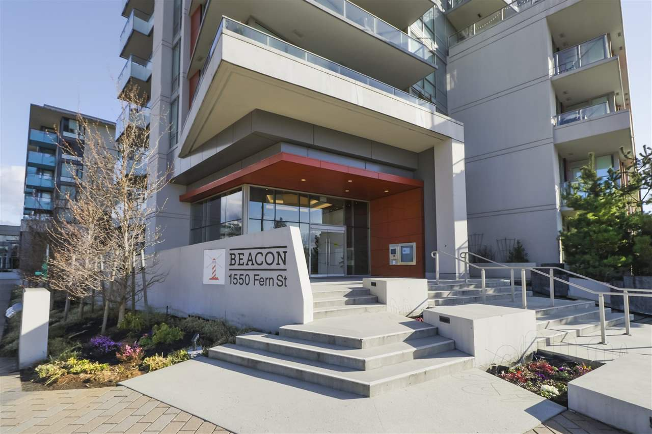"Main Photo: 204 1550 FERN Street in North Vancouver: Lynnmour Condo for sale in ""BEACON-SEYLYNN VILLAGE"" : MLS®# R2491683"