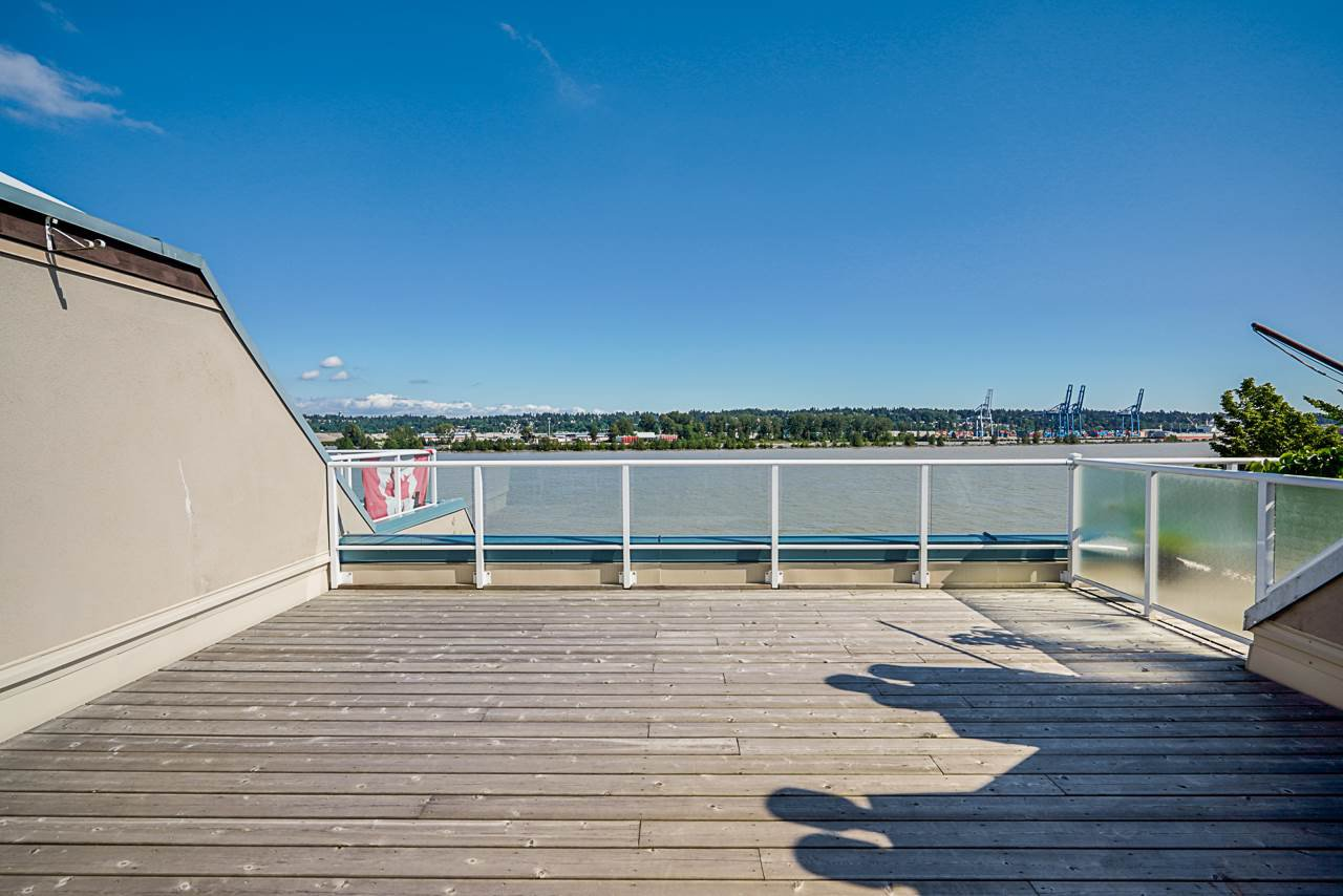 """Main Photo: 404 3 K DE K Court in New Westminster: Quay Condo for sale in """"Quayside Terrace"""" : MLS®# R2495125"""