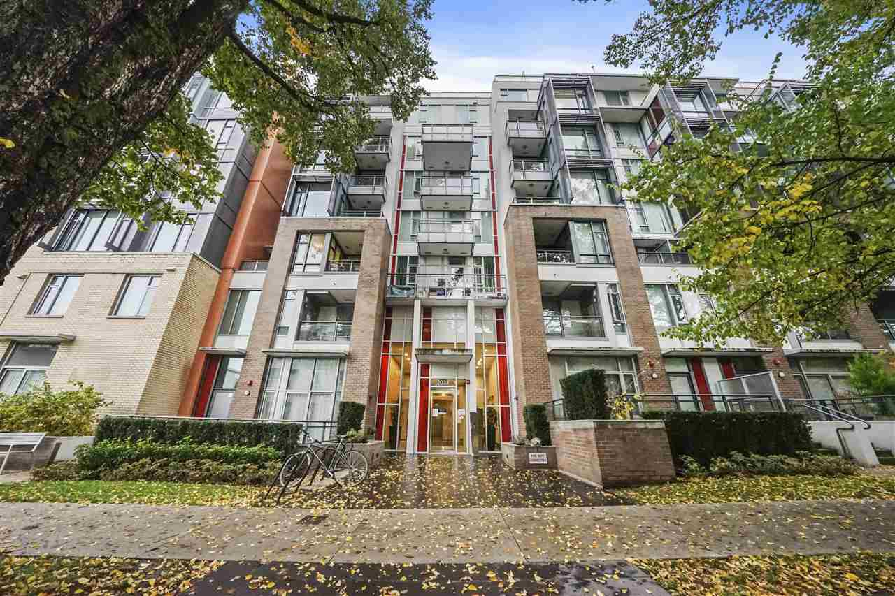 Main Photo: 801 2033 W 10TH Avenue in Vancouver: Kitsilano Condo for sale (Vancouver West)  : MLS®# R2518712