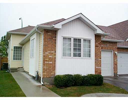 Main Photo: 225 DAWNVILLE Drive in WINNIPEG: Transcona Condominium for sale (North East Winnipeg)  : MLS®# 2101125