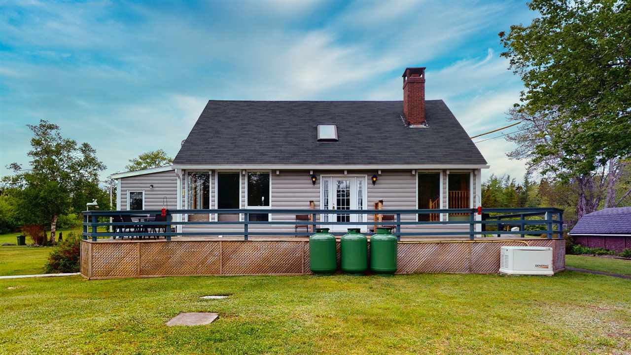 Main Photo: 294 Upper Lakeville Road in Lake Charlotte: 35-Halifax County East Residential for sale (Halifax-Dartmouth)  : MLS®# 202010624
