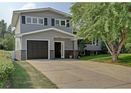 Main Photo: 731 104 Avenue SW in Calgary: Southwood Detached for sale : MLS®# C4306344