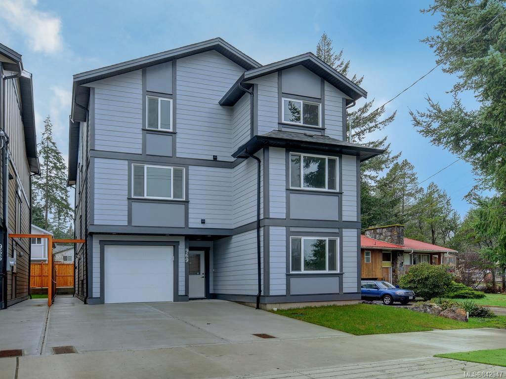 Main Photo: 969 Walfred Rd in Langford: La Happy Valley Single Family Detached for sale : MLS®# 842947
